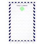 Monograma blanco de Quatrefoil de la verde menta d Papeleria De Diseño