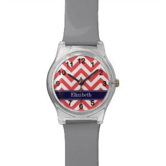 Monograma blanco rojo coralino del nombre de los reloj de mano