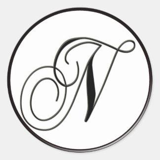Monograma blanco y negro elegante N Pegatina Redonda