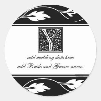 Monograma blanco y negro Y de la hoja Pegatina Redonda