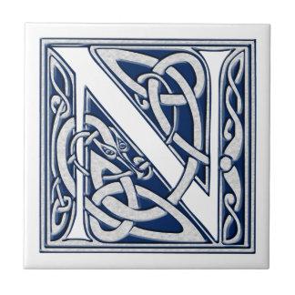 Monograma céltico de N Azulejo Cuadrado Pequeño