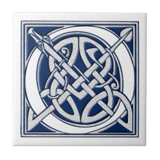 Monograma céltico de O Azulejo Cuadrado Pequeño