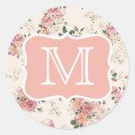 Monograma color de rosa floral del vintage pegatinas redondas