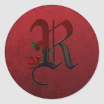 Monograma color de rosa gótico R Pegatina Redonda
