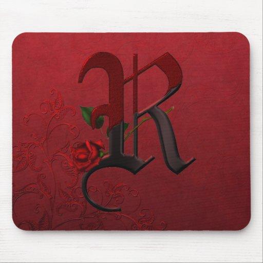 Monograma color de rosa gótico R Tapete De Raton