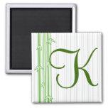 Monograma con el fondo de bambú - letra K Imán