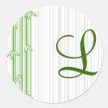 Monograma con el fondo de bambú - letra L Etiqueta Redonda