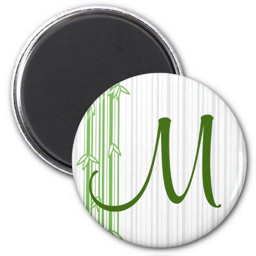 Monograma con el fondo de bambú - letra M Imán Redondo 5 Cm