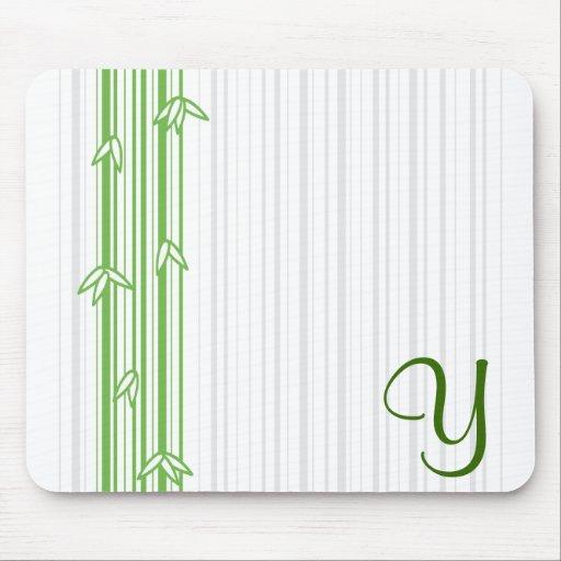 Monograma con el fondo de bambú - letra Y Tapete De Ratones