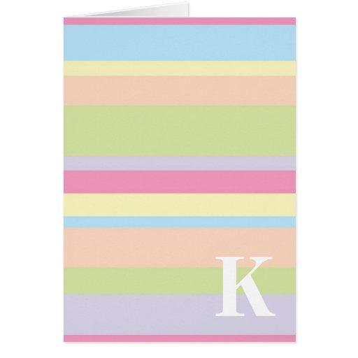 Monograma con un fondo rayado colorido - K Tarjeton