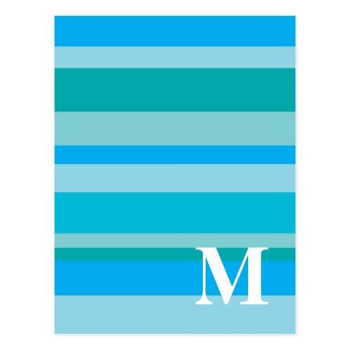 Monograma con un fondo rayado colorido - M Postal