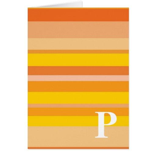 Monograma con un fondo rayado colorido - P Tarjeton