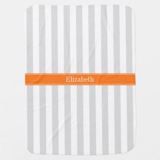 Monograma conocido anaranjado de la calabaza de la mantitas para bebé
