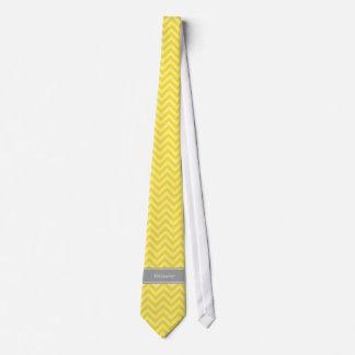 Monograma conocido de Lt Yellow LG Chevron DGray Corbatas Personalizadas