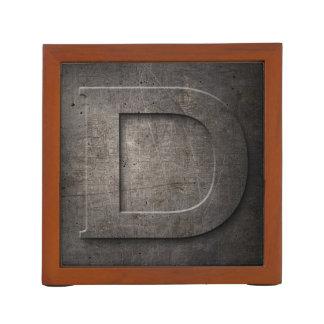 Monograma D - organizador del metal del escritorio