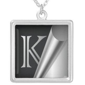 """Monograma de acero """"K """" de la cáscara Colgante Cuadrado"""