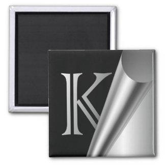 """Monograma de acero """"K """" de la cáscara Imán Cuadrado"""