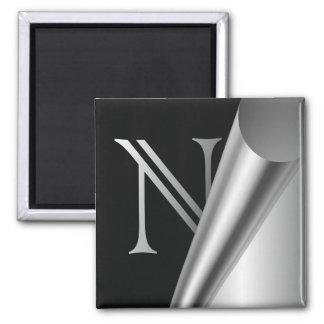 """Monograma de acero """"N """" de la cáscara Imán Cuadrado"""
