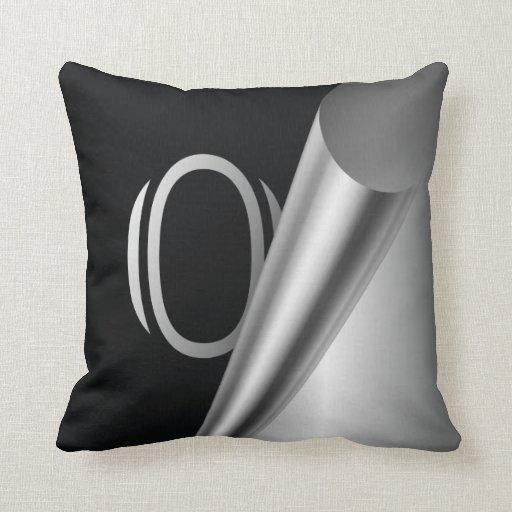 """Monograma de acero """"O """" de la cáscara Cojines"""