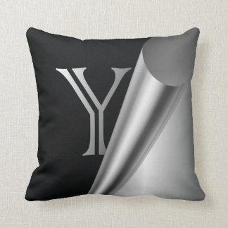 """Monograma de acero """"Y """" de la cáscara Cojines"""