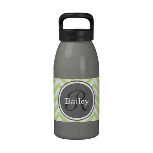 Monograma de Chevron de la verde menta Botellas De Agua Reutilizables