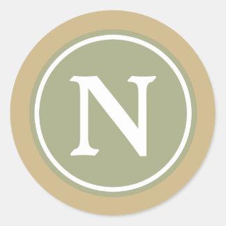 Monograma de color caqui de la verde salvia y pegatina redonda