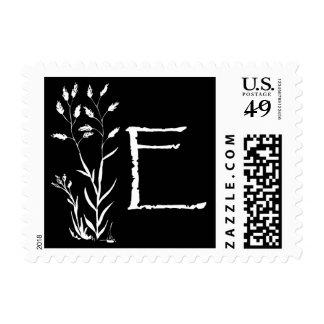 Monograma de E (planta negra de la lavanda) Envio