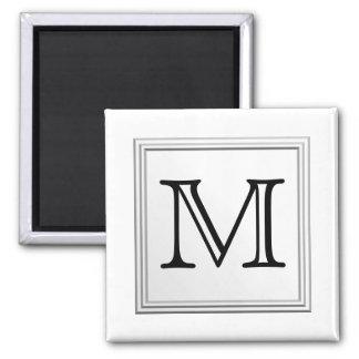 Monograma de encargo impreso. Blanco y negro. Imán Cuadrado