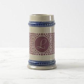 Monograma de geometría en elegante violeta jarra de cerveza