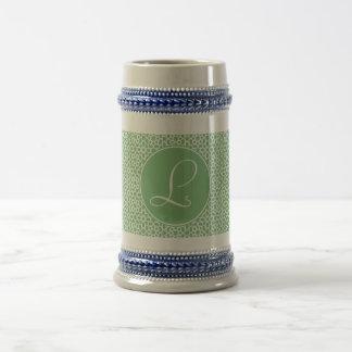 Monograma de inicial elegante arte árabe verde taza