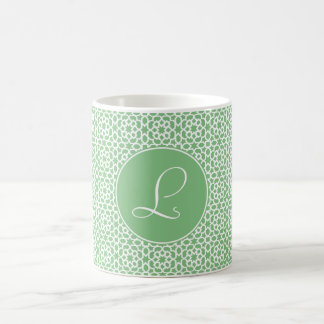 Monograma de inicial elegante arte árabe verde taza básica blanca