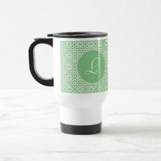 Monograma de inicial elegante arte árabe verde taza de viaje de acero inoxidable