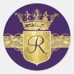 Monograma de la corona, tonos del oro pegatinas redondas