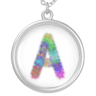 Monograma de la letra A del fractal Collar Plateado