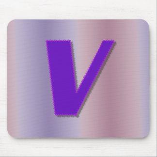 Monograma de la púrpura V Alfombrillas De Ratón