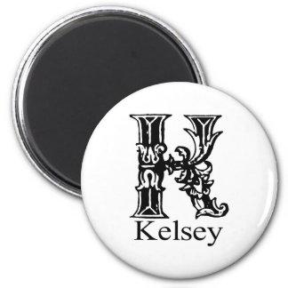 Monograma de lujo: Kelsey Imán Redondo 5 Cm