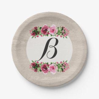 Monograma de madera rústico de los rosas platos de papel