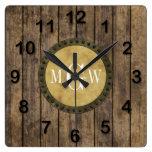 Monograma de madera rústico de los tablones #1 reloj cuadrado