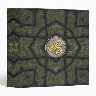 """Monograma de oro 1,5"""" de Triskele carpeta"""