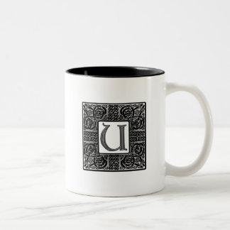"""Monograma de plata del Celtic """"U"""" Taza De Café"""