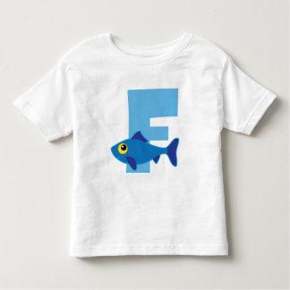 Monograma del azul de los pescados de F Playera De Bebé