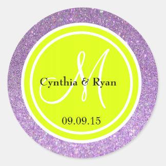 Monograma del boda del brillo púrpura y del verde pegatina