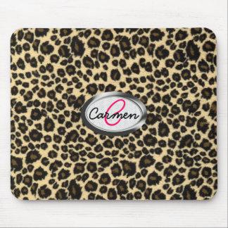 Monograma del estampado leopardo alfombrilla de ratones
