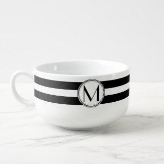 Monograma del modelo de las rayas del blanco del bol para sopa