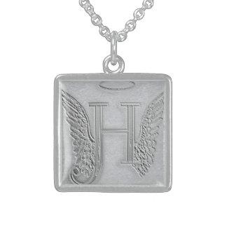 Monograma del monumento de la letra H Collar De Plata De Ley