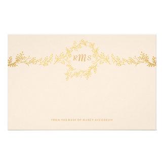 Monograma del oro con efectos de escritorio a mano  papeleria de diseño