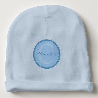 Monograma del personalizado de los azules cielos gorrito para bebe