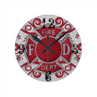 Monograma del personalizado del cuerpo de bomberos reloj redondo mediano