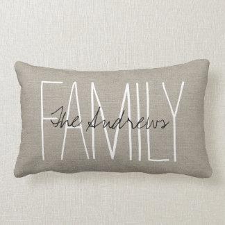 Monograma elegante rústico de la familia cojín lumbar