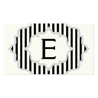 Monograma en un marco con las rayas negras, blanca tarjeta de negocio